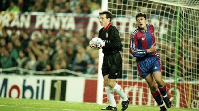 Juan Carlos Unzué en un duelo entre el Sevilla FC y el FC Barcelona