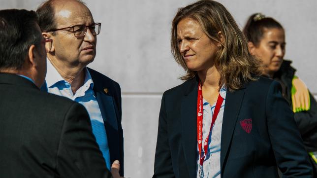 Pepe Castro y Amparo Gutiérrez, directora de fútbol femenino del Sevilla FC