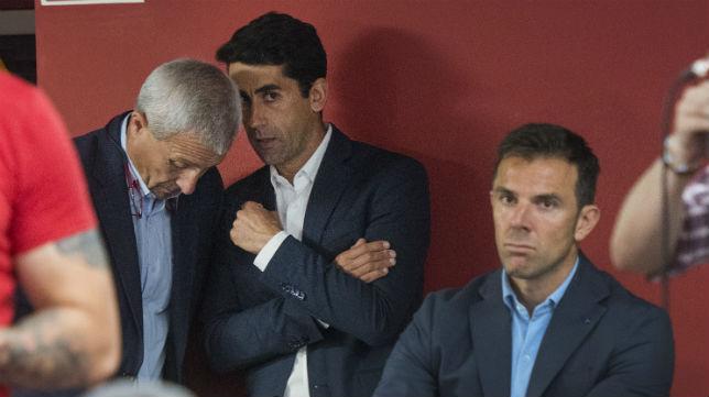 Pablo Blanco, Paco Gallardo y Carlos Marchena, en un acto del Sevilla (Foto: J.J. Úbeda)