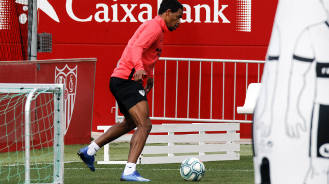 Fernando, en un entrenamiento con el Sevilla FC