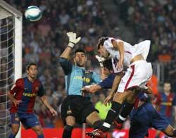 Sevilla FC: Gol anulado a Escudé el año pasado. Comenzaba el festival de Muñiz Fernández
