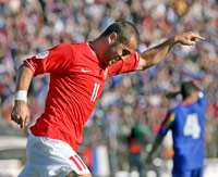 Kerzhakov celebra un gol con la selección rusa