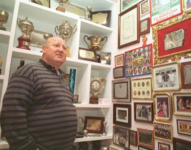 Sevilla FC: El veterano ex sevillista Paco Gallego