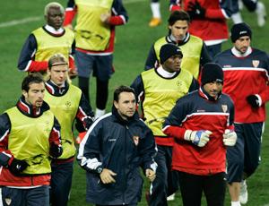 Sevilla FC: El equipo, durante el entrenamiento en Estambul