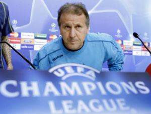Sevilla FC: Zico, poco antes de empezar la rueda de prensa