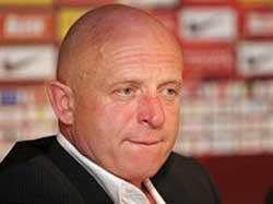 Sevilla FC: El entrenador del Slavia no se fía de la mala racha del Sevilla