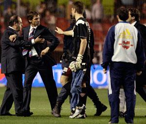 Sevilla FC: Momento de tensión entre Ziganda y Soria
