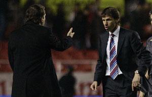 Sevilla FC: Ziganda se encara con Cristóbal Soria, a quien agarraría del cuello