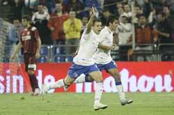 Sevilla FC: D'Alessandro celebra su gol