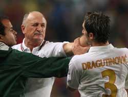 Sevilla FC: Scolari y Dragutinovic podrían ser suspendidos por la UEFA