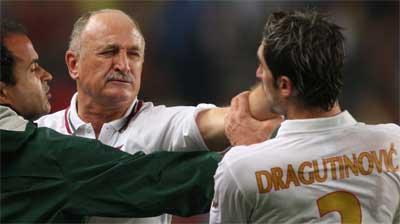 Momento de la agresión de Scolari a Drago