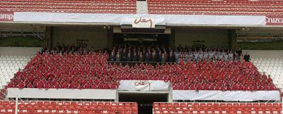 Sevilla FC: Foto de familia de 2005, el año centenario