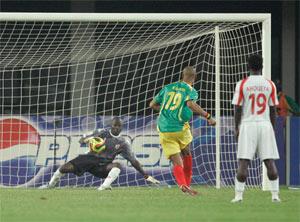 Sevilla FC: Kanouté marca de penalti el gol que sirvió a Mali para vencer a Benin