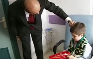Sevilla FC: Del Nido, en su visita reciente a niños hospitalizados