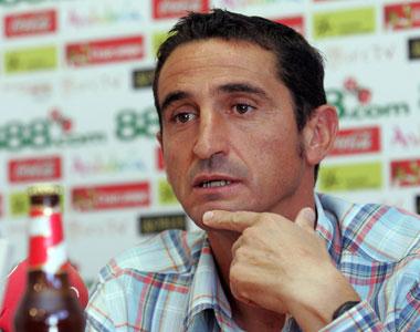 Sevilla FC: Jiménez en una comparecencia de prensa