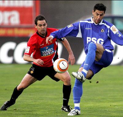 Sevilla FC: F. Navarro defiende a un jugador del Getafe