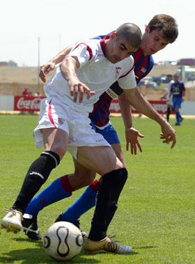 Sevilla FC: Moreno pugna con jugador del Extremadura