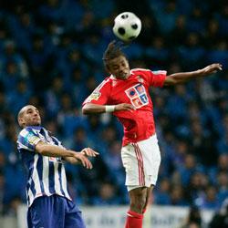 Sevilla FC: Nelson en un partido frente al Oporto