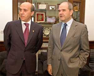 Sevilla FC: Del Nido junto al presidente de la Junta, Manuel Chaves