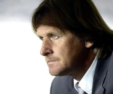 Sevilla FC: Schuster achacó la derrota del Madrid a que el árbitro era catalán