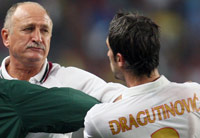 Momento de la agresión de Scolari a Dragutinovic