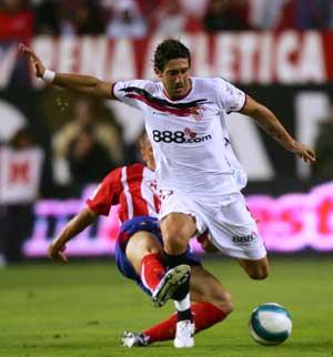Sevilla FC: Dragutinovic es duda para jugar contra el Depor