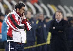 Sevilla FC: Jiménez es observado por Zico en el partido de ida