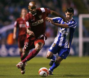 Sevilla FC: Kanouté se va ante la presión de un contrario