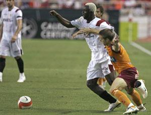 Sevilla FC: Koné se marcha de un jugador del Recreativo de Huelva