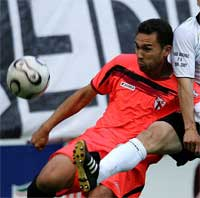 Sevilla FC: el canterano Lolo en un partido de liga