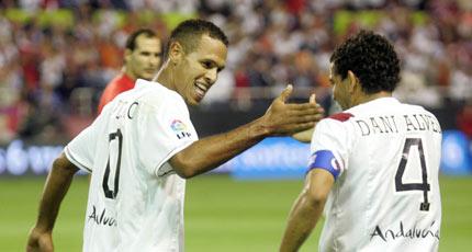 Sevilla FC: Luis Fabaino y Daniel Alves no viajarán juntos a la convocatoria de Brasil