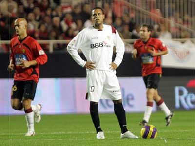 Sevilla FC: Luis Fabiano, poco después del primer gol mallorquín