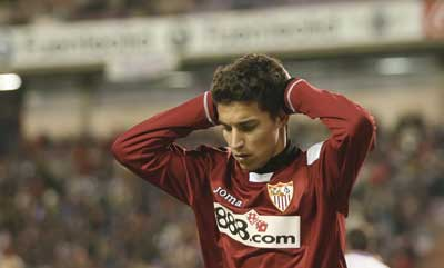 Sevilla FC: Jesús Navas se lamenta de una ocasión desperdiciada