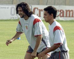 Pablo Alfaro junto a Jesús Navas, en el pasado, durante un entrenamiento