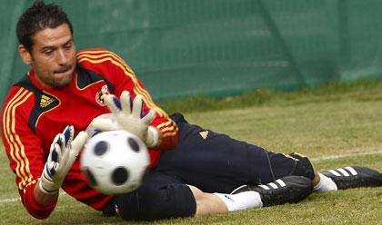 Sevilla FC: Palop en un entrenamiento de la Roja