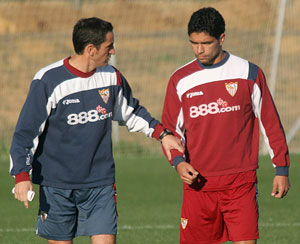 Sevilla FC: Renato, junto a Jiménez en el entrenamiento