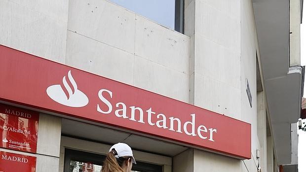 El santander extiende las bonificaciones de su cuenta 1 for Oficinas santander cordoba