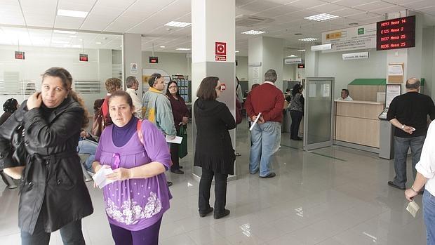 El paro de la eurozona cae al 10 4 a finales de a o su for Oficina de desempleo malaga