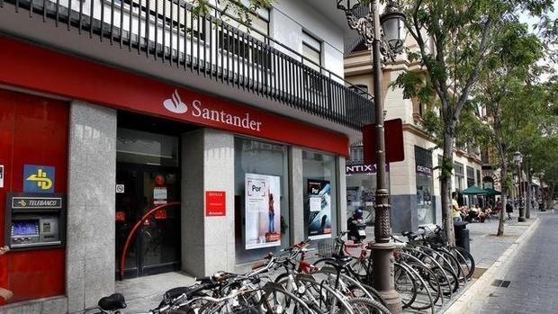 Banco santander despedir a un m ximo de empleados for Sucursales banco espana