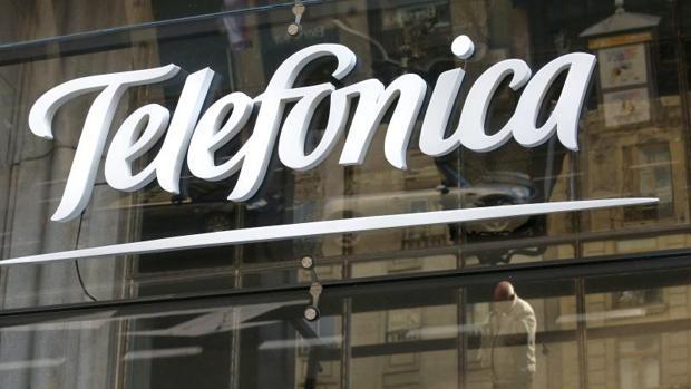 Telef nica lanza dos emisiones de bonos para reducir los for Guia telefonica malaga