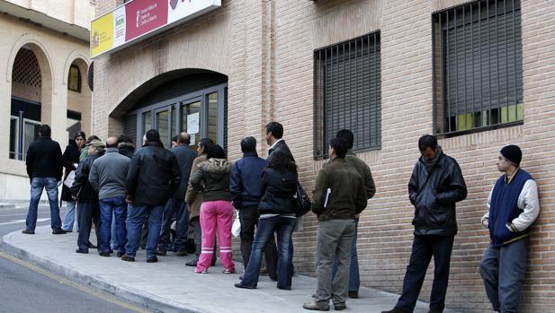 Crear puestos de trabajo es para empresarios profesionales for Oficina de desempleo malaga
