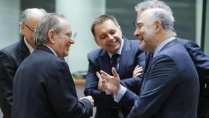 Moscovici, sobre un colapso del euro: «Decepcionaremos a los que nos ven ya muertos»