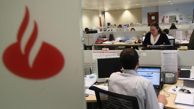 Qatar pone a la venta el 40 de su participaci n del 5 5 for Oficinas santander granada
