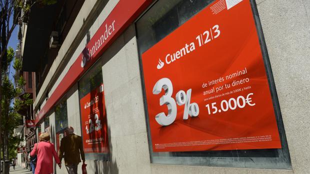 Banco santander lanza una versi n para j venes de su for Oficinas santander malaga