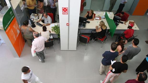 La seguridad social gan afiliados extranjeros en for Oficina de empleo huelva