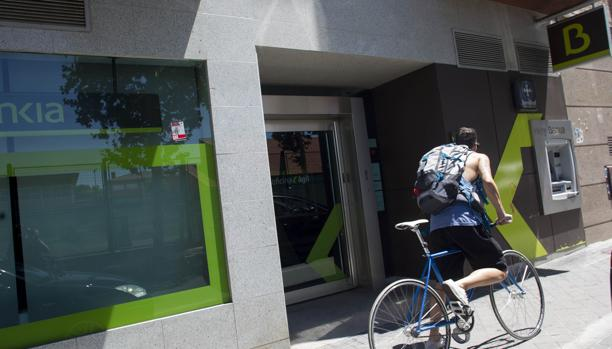Bankia espera alcanzar el mill n de clientes atendidos por for Oficinas bankia sevilla