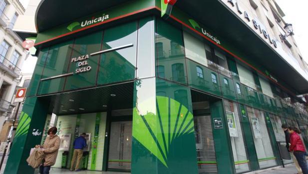 Unicaja confirma su intenci n de sacar a bolsa el 40 4 de for Unicaja oficinas malaga