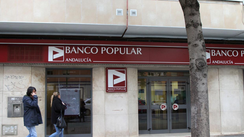 El banco santander y el popular suman casi 800 oficinas en for Sucursales que abren los sabados santander