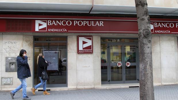 el banco santander y el popular suman casi 800 oficinas en