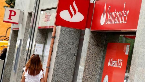 Oficinas del Banco Popular y del Santander